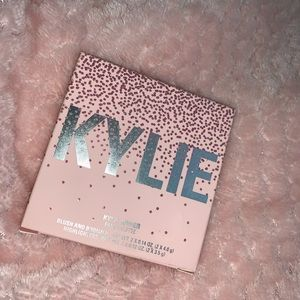 KYLIE COSMETICS FACE PALLETE🦋